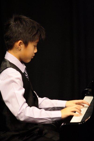 pianist,music,musician,piano,keyboard