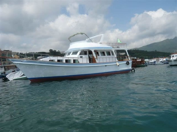 boat,waterway,motorboat,water transportation,motor ship