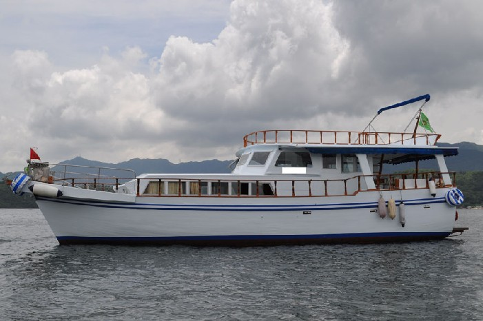 boat,motor ship,water transportation,passenger ship,yacht
