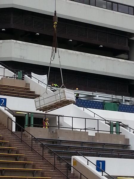 sport venue,structure,roof,