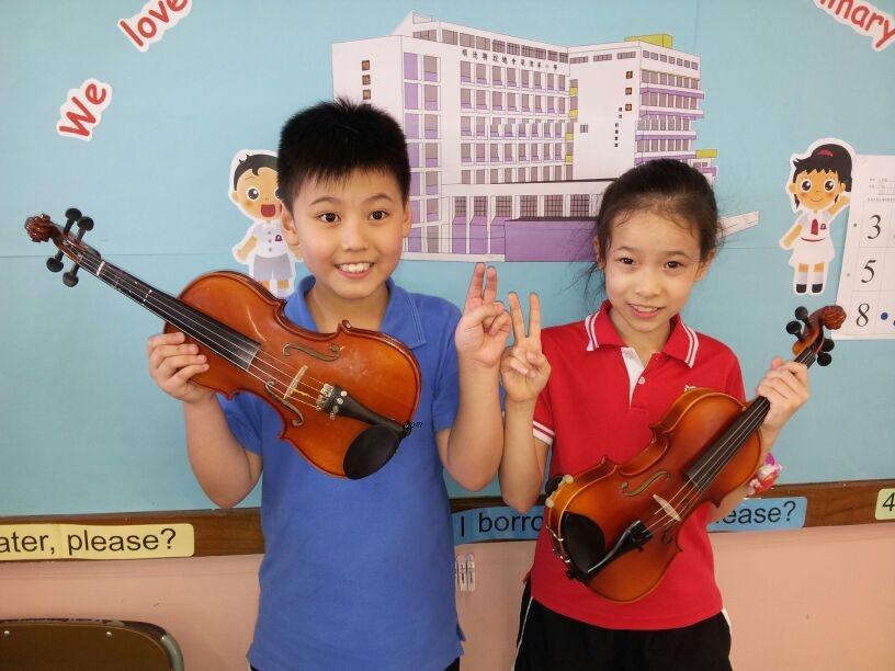 har ease? I borr ater, please?,violin,violin family,musical instrument,violinist,string instrument