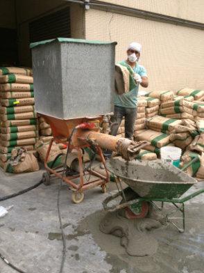 Wheelbarrow,Concrete mixer,Cart,Vehicle,Cement