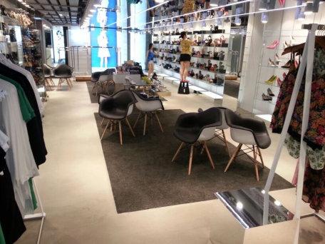 Building,Property,Floor,Interior design,Footwear