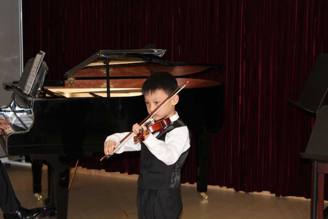 Music,Recital,Musical instrument,Musician,Concertmaster