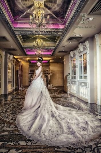 gown,dress,wedding dress,bride,bridal clothing