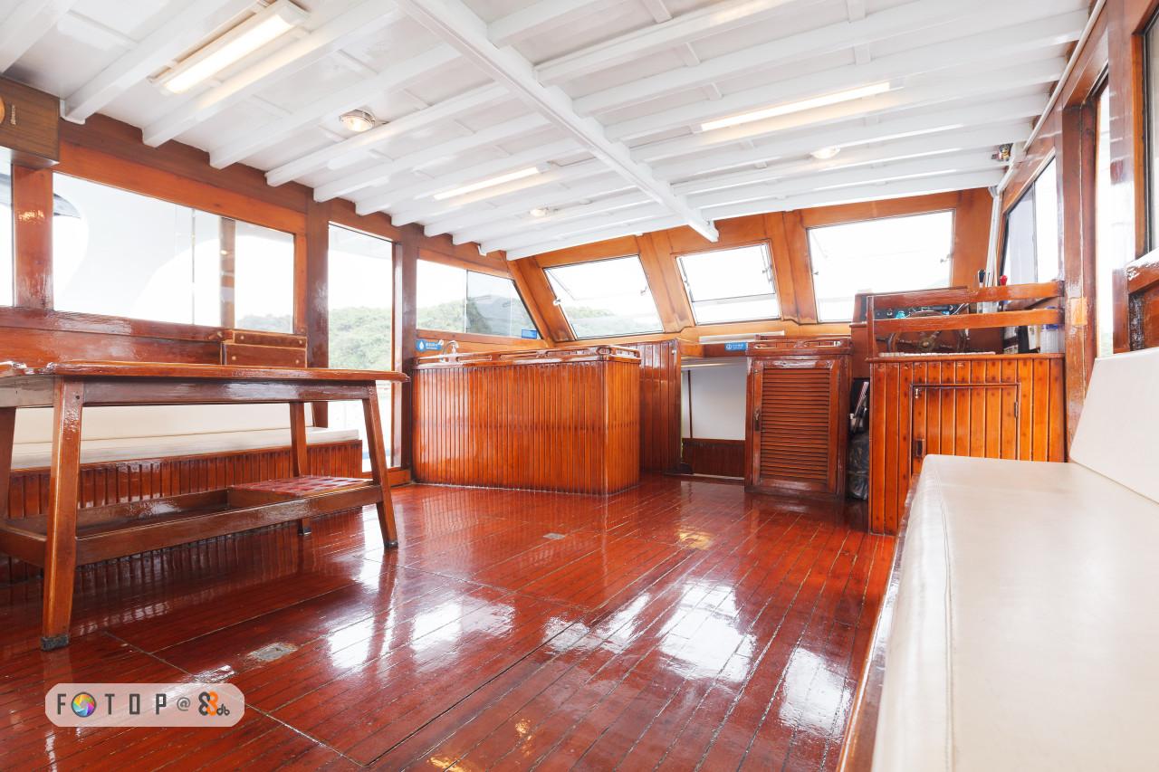 FOTO P @S?.,real estate,wood,deck,floor,flooring