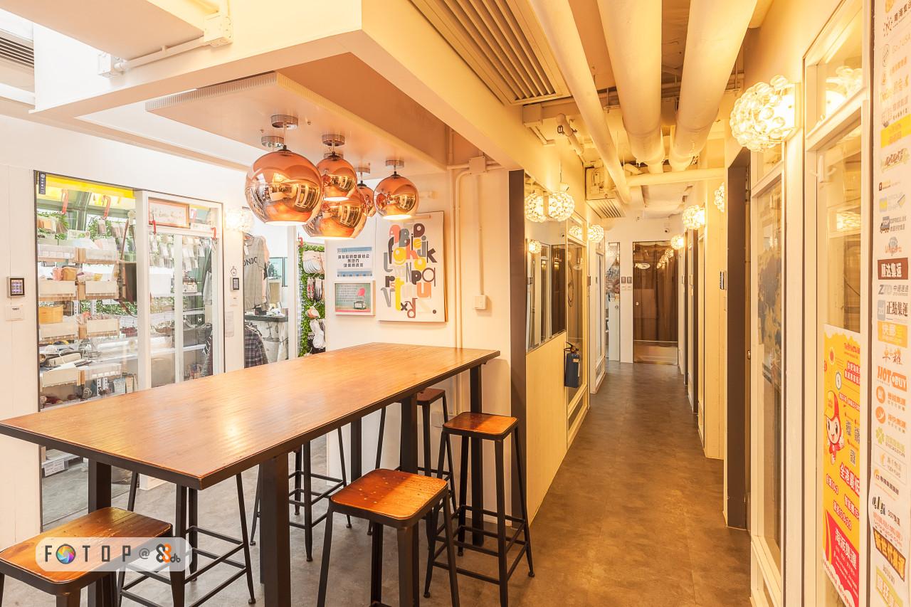 interior design,restaurant,real estate,ceiling,café