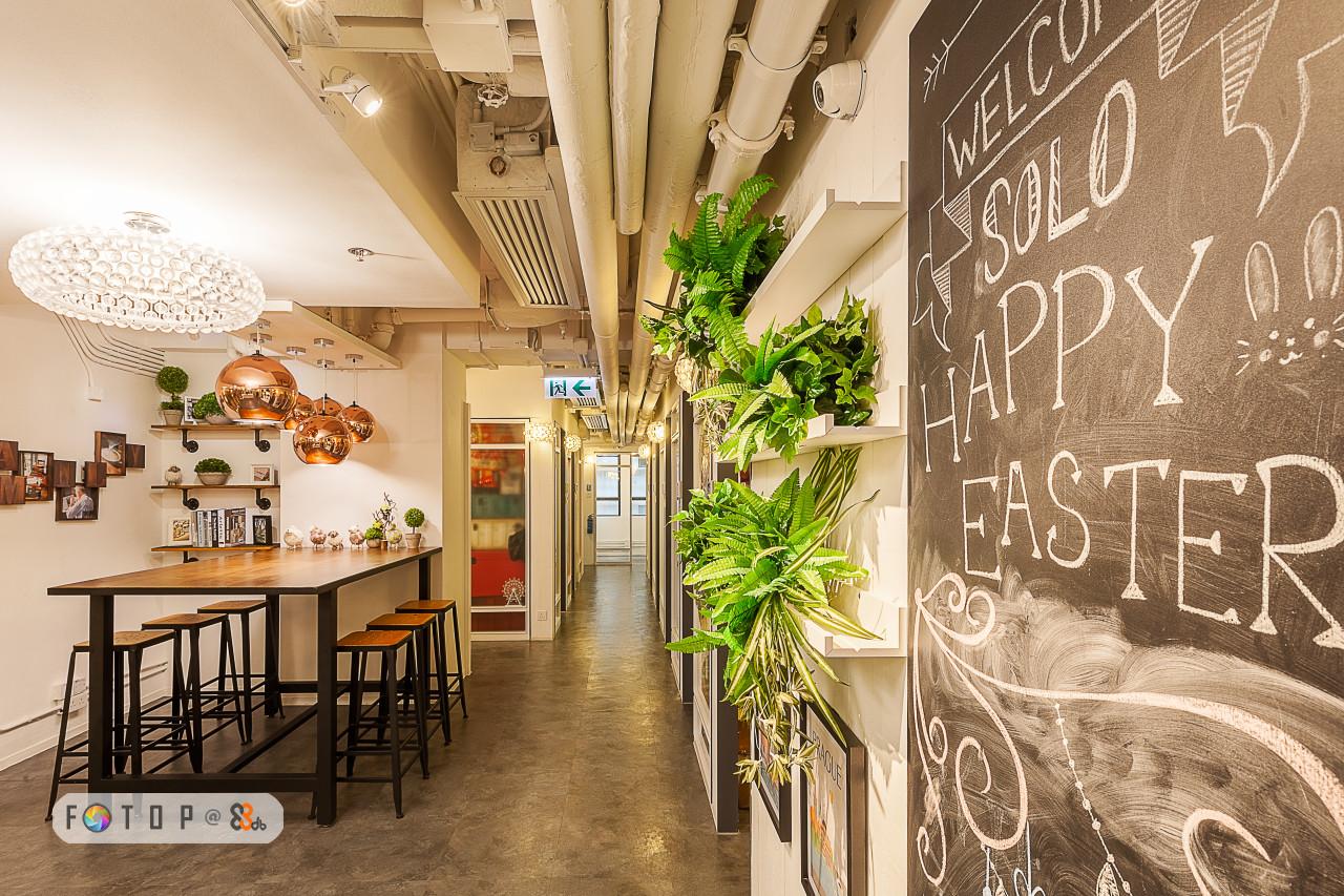 쳐 EAST,interior design,lobby,restaurant,café,ceiling
