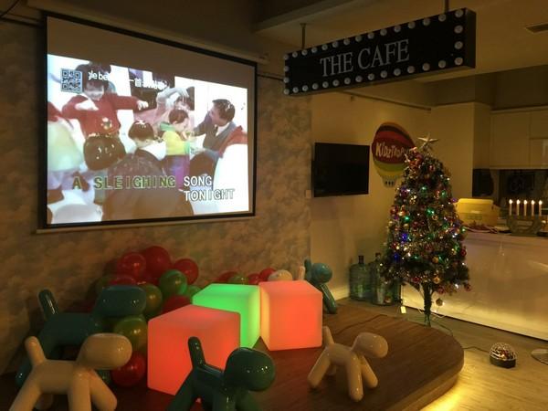 THE CAFE,room,interior design,home,christmas decoration,christmas