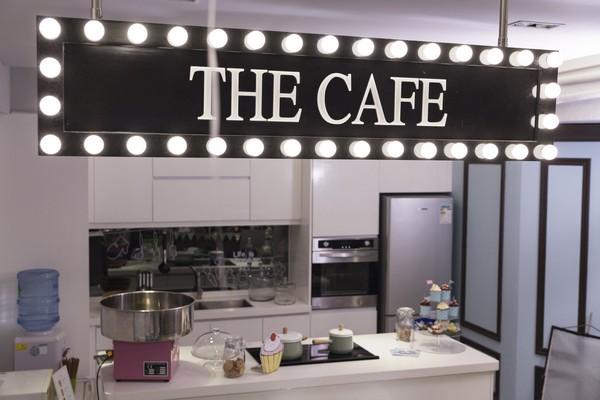 HE CAFE,interior design,