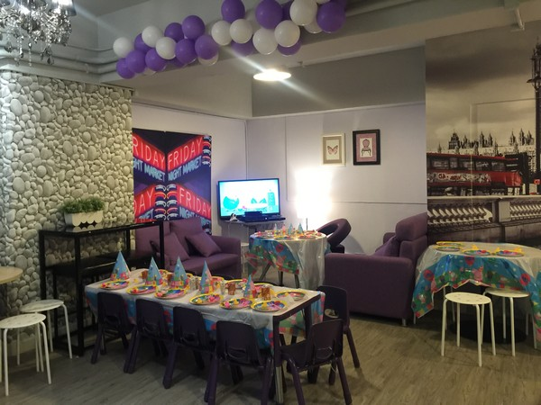 room,interior design,function hall,table,home