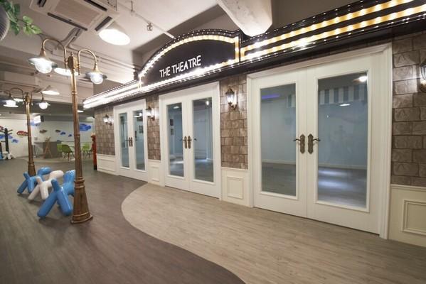 THE THEA TRE,floor,exhibition,flooring,