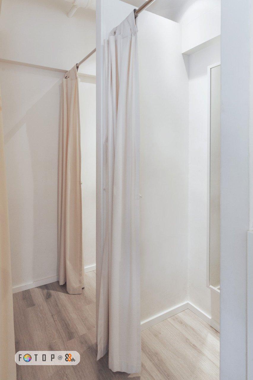 FOTO P &,room,property,interior design,clothes hanger,floor