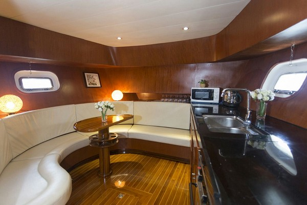 room,interior design,vehicle,yacht,cabin