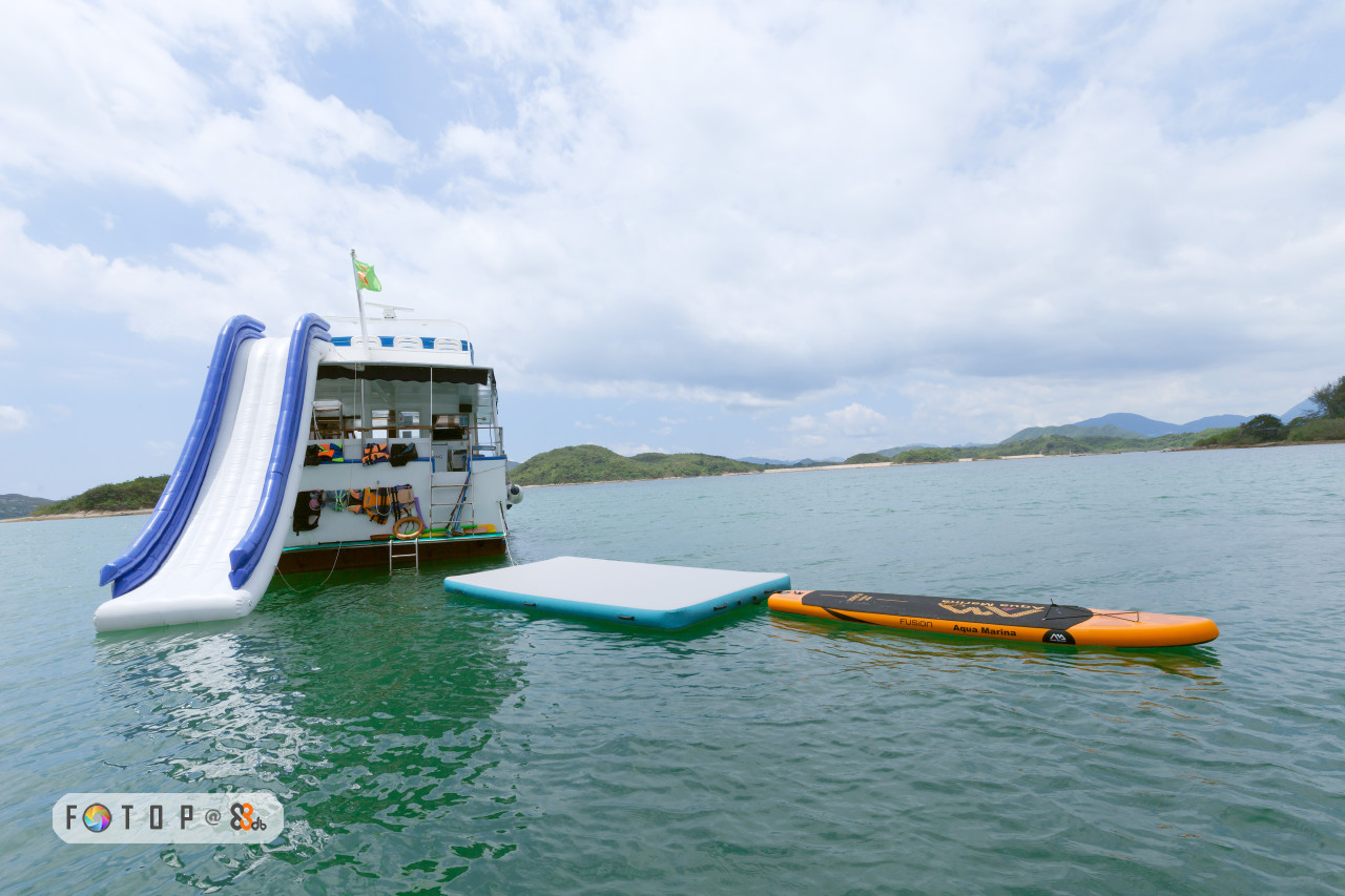 water transportation,boat,leisure,coastal and oceanic landforms,tourism