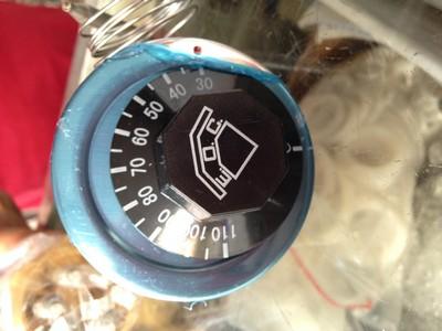 gauge,measuring instrument,tachometer,speedometer,hardware