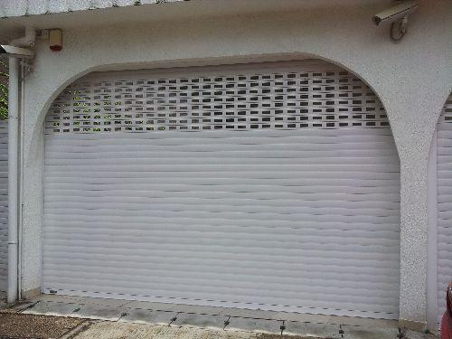garage door,garage,wall,door,window