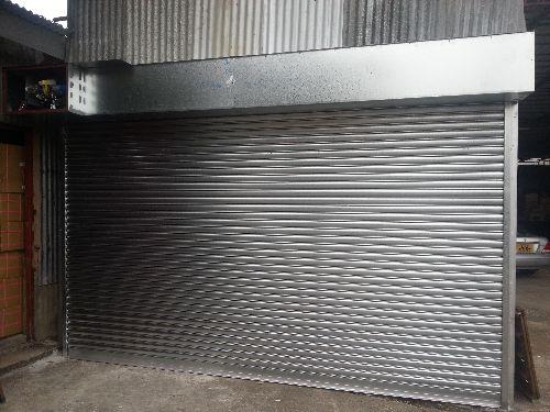 garage door,garage,building,door,gate