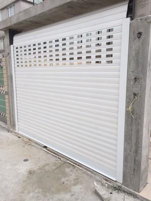 garage,garage door,building,gate,door