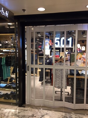 boutique,retail,
