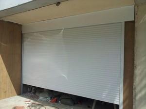garage,door,garage door,window,window screen