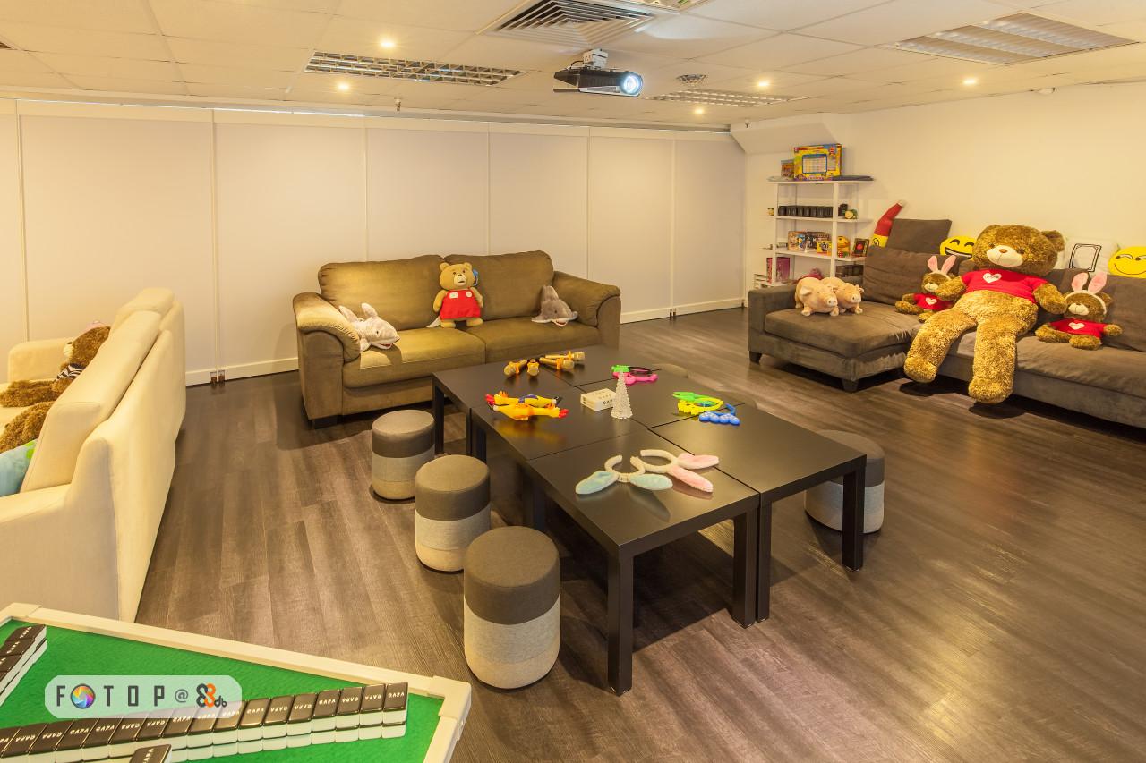 F.T O P @2%b,room,interior design,floor,flooring,