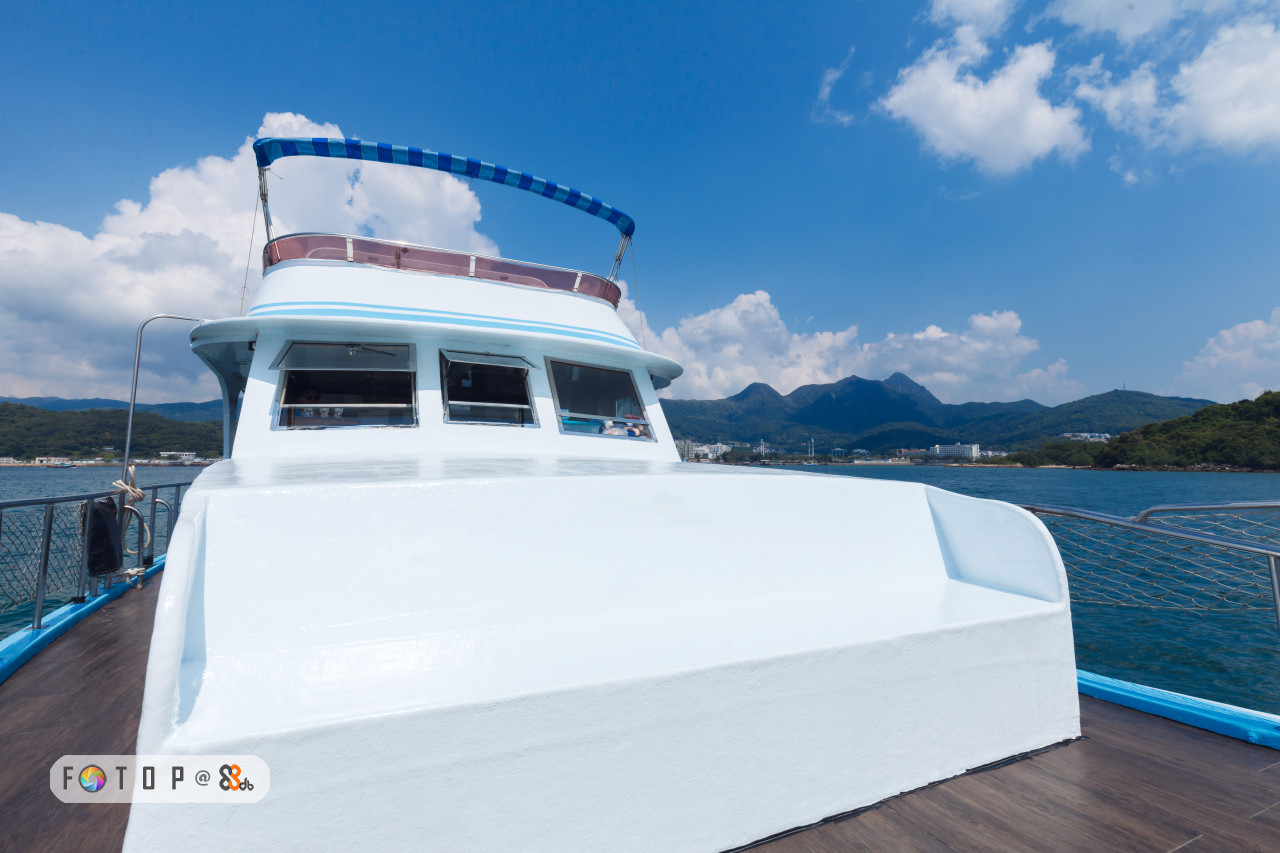 boat,water transportation,yacht,passenger ship,watercraft