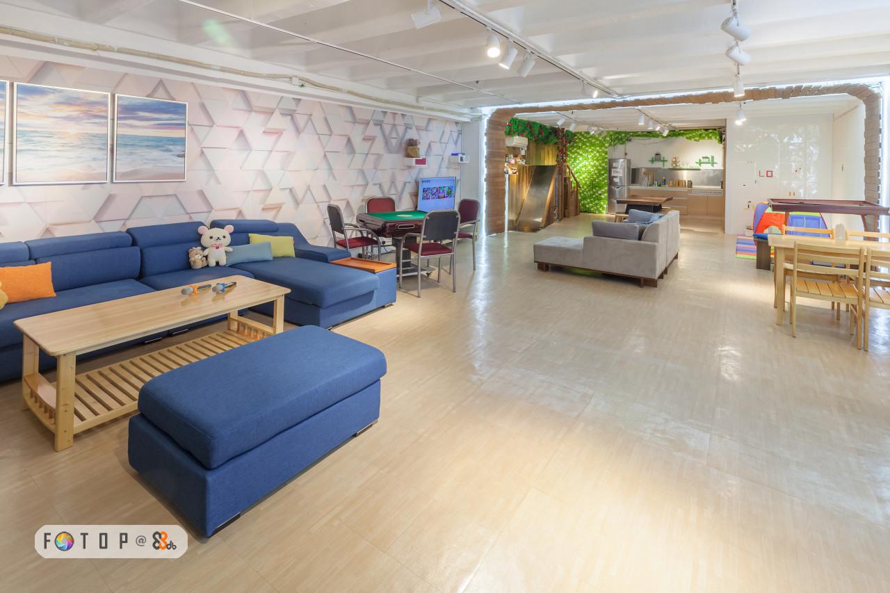 floor,flooring,interior design,real estate,lobby