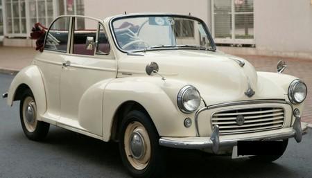 car,motor vehicle,vehicle,classic car,morris minor