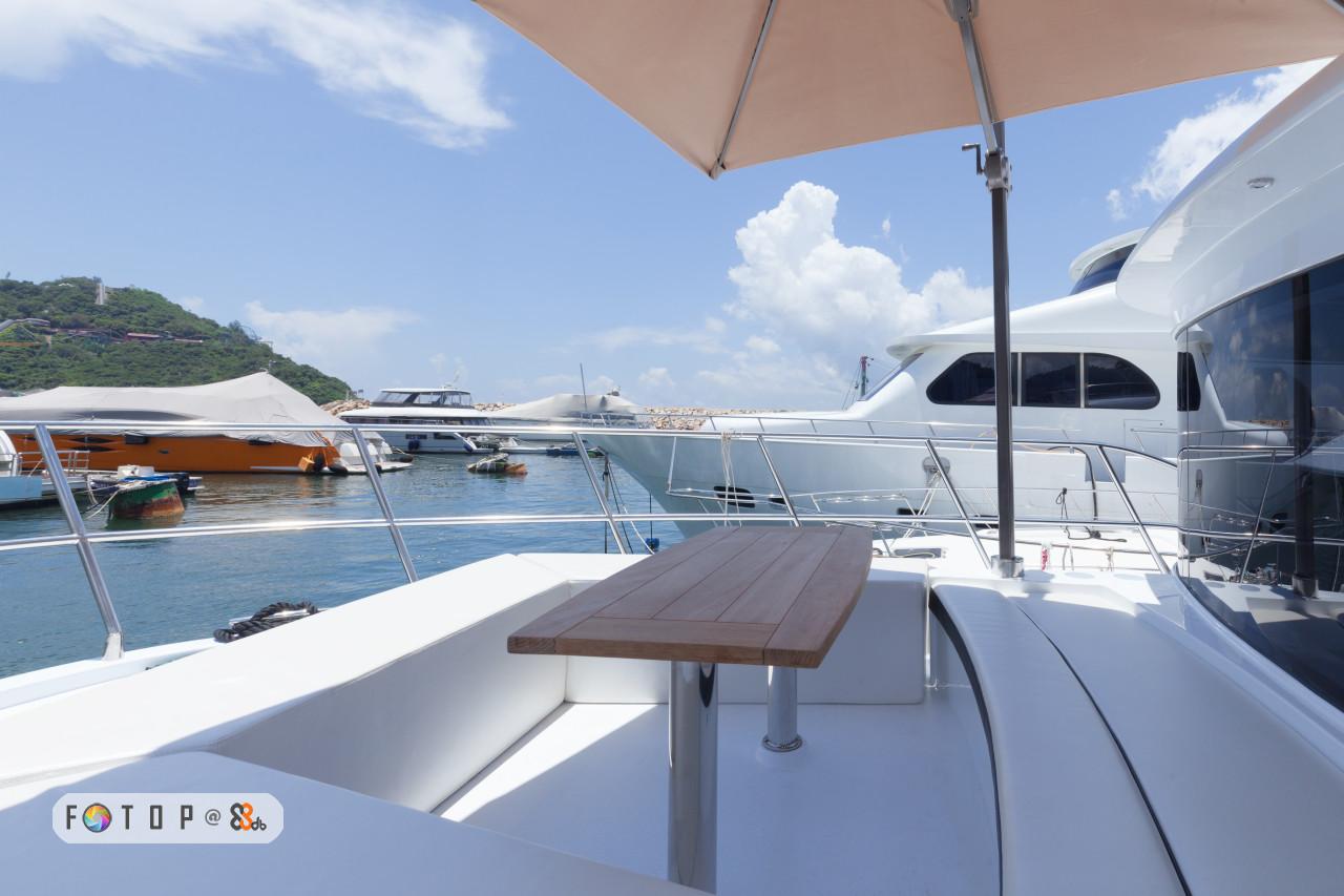 boat,yacht,watercraft,luxury yacht,passenger ship