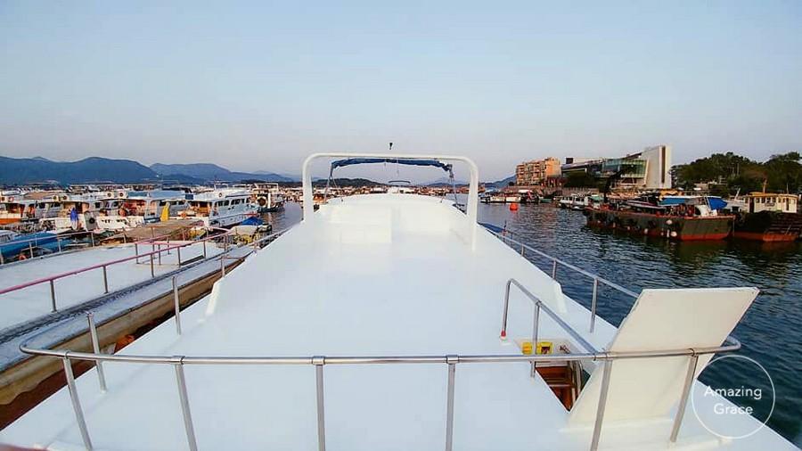 azing Gr,waterway,water transportation,marina,dock,ferry