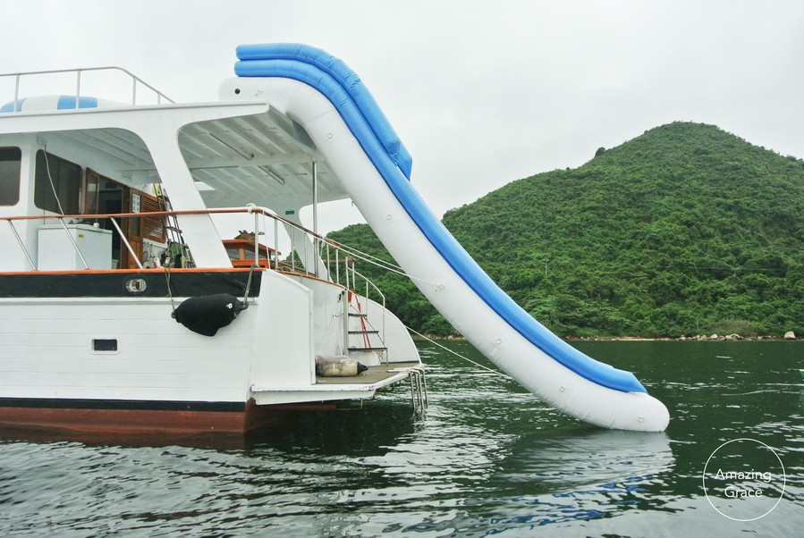 waterway,boat,water transportation,boating,water