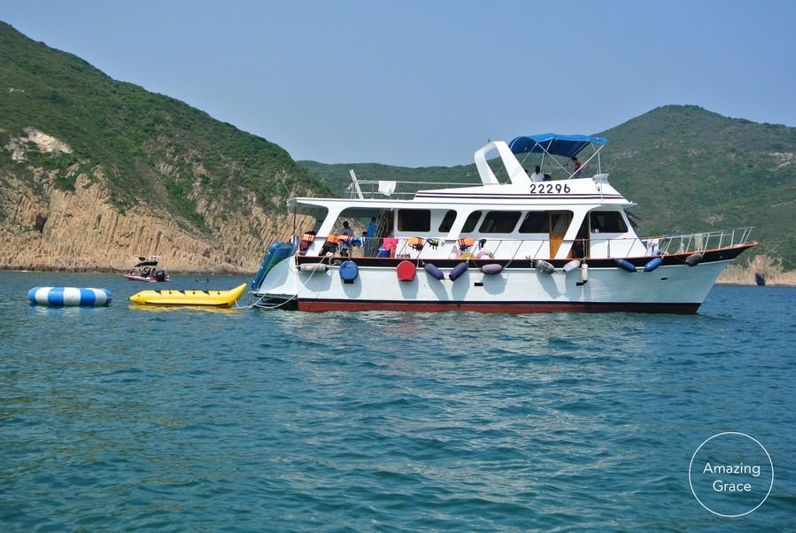 22296 Amazing Grace,water transportation,boat,waterway,motorboat,watercraft