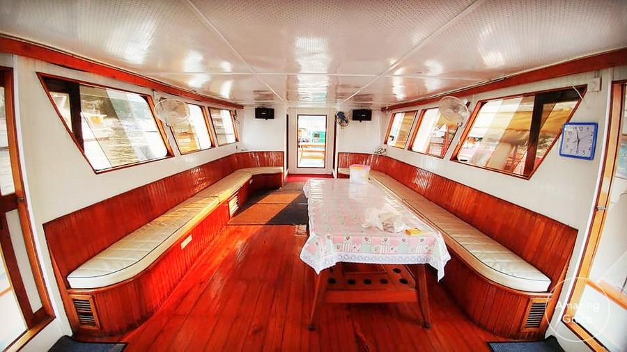 interior design,passenger,