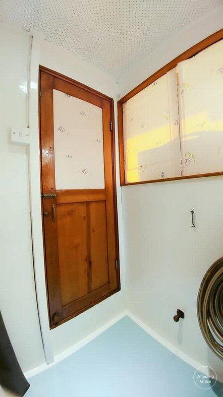 room,property,bathroom,ceiling,house