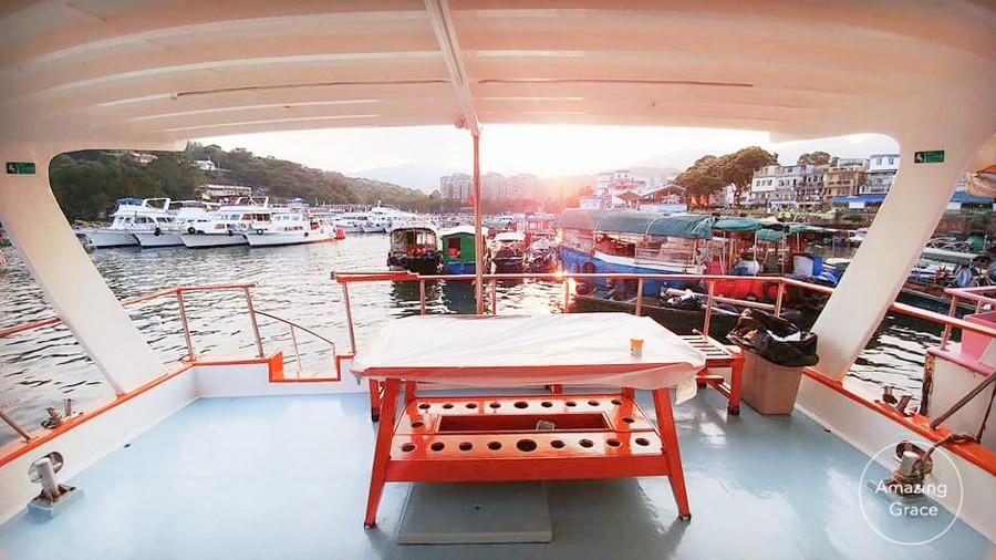 race,boat,watercraft,vehicle,