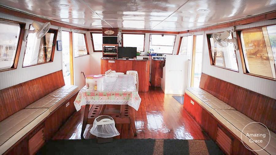 azing ace,vehicle,passenger,deck,
