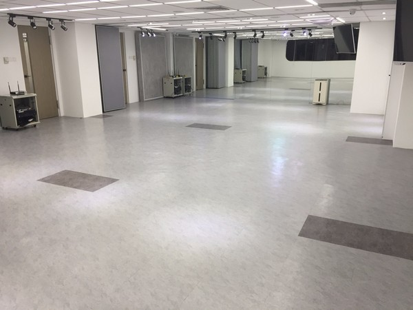 floor,flooring,property,tile,hardwood