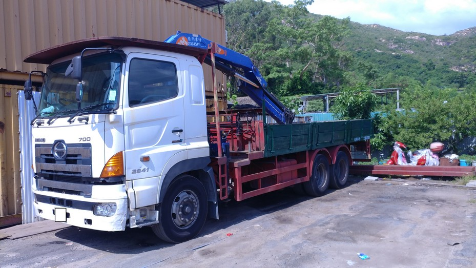 transport,vehicle,motor vehicle,truck,mode of transport