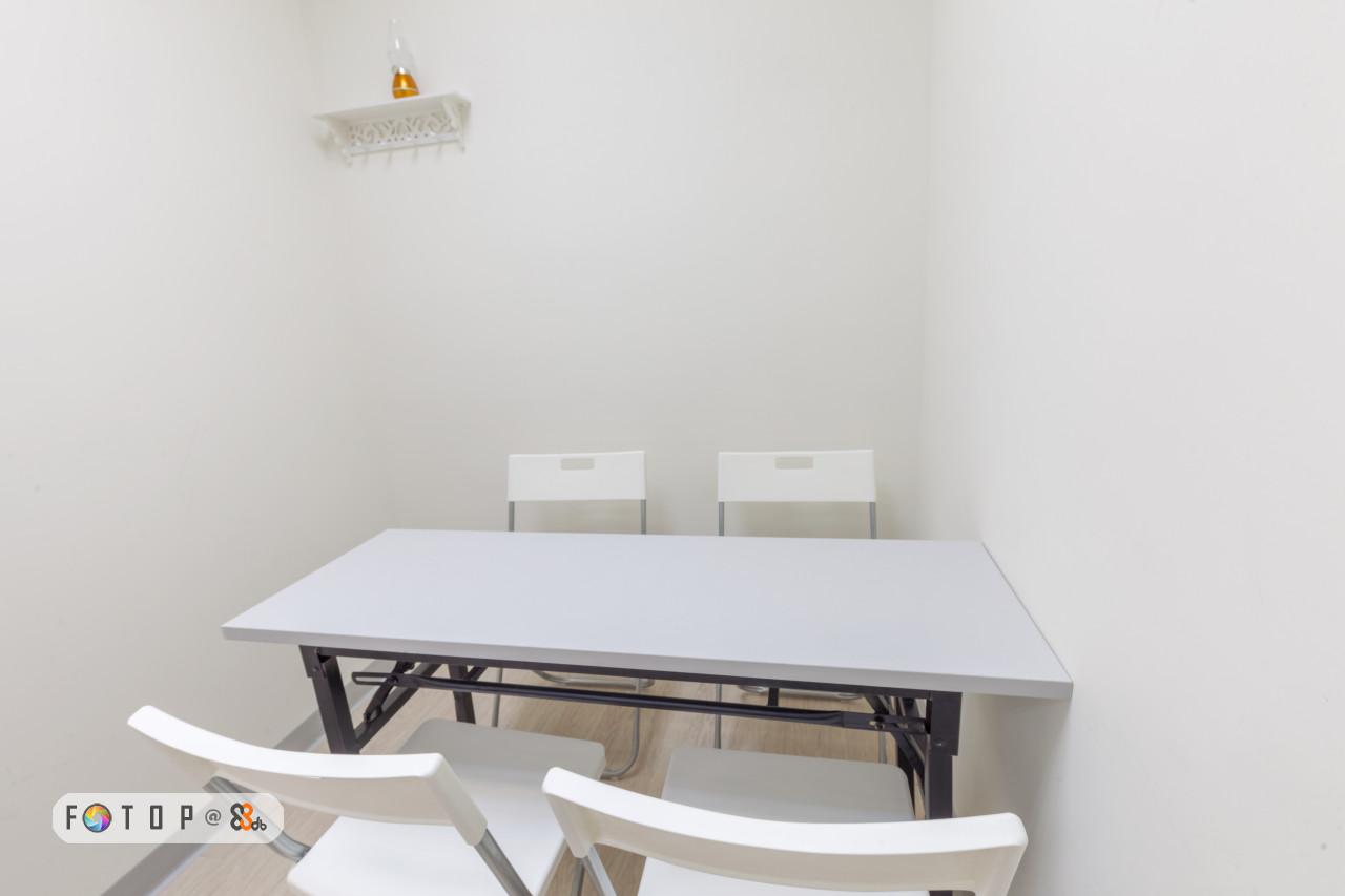 FOTD P@,furniture,table,property,product,desk