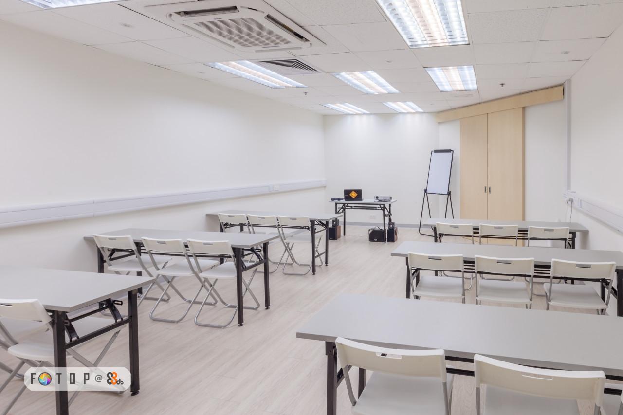 classroom,room,table,furniture,