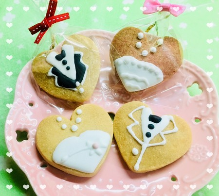 dessert,petit four,baking,cookies and crackers,icing