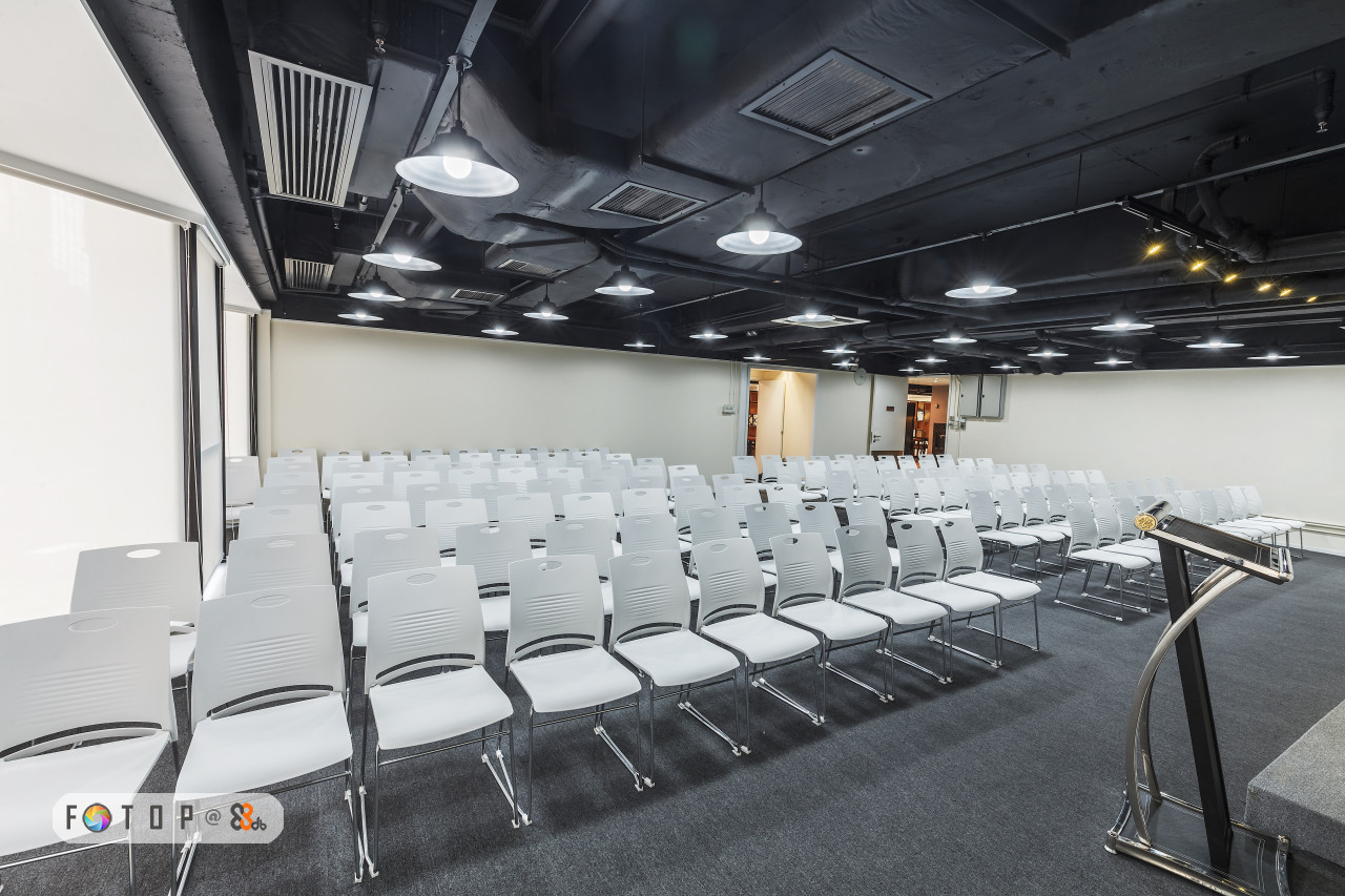 Building,Auditorium,Conference hall,Ceiling,Room