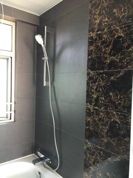 room,bathroom,wall,tile,plumbing fixture