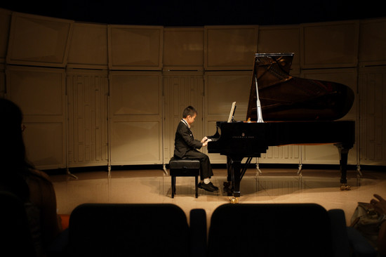 piano,pianist,classical music,keyboard,music