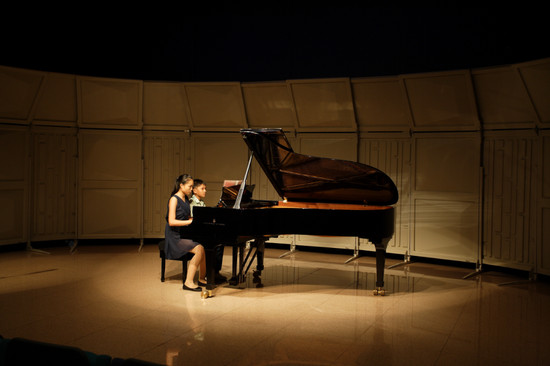 piano,pianist,keyboard,classical music,stage