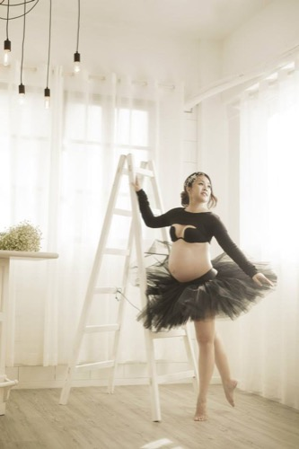 ballet tutu,girl,shoulder,dancer,performing arts