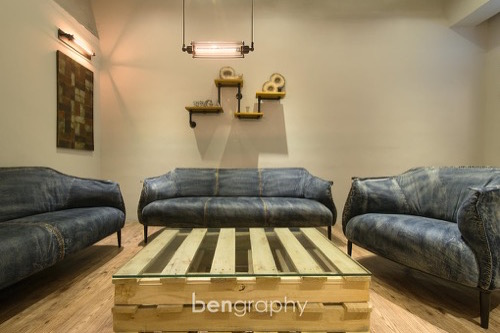 living room,property,room,interior design,couch